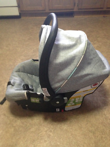 Safety 1st Car seat and base