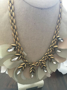 Stella and Dot Birdie Necklace For Sale- Brand New