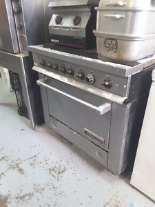 FREE oven Garland oven with flat top cook surface (pick-up)