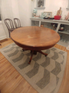 Antique hardwood table and 6 antique hardwood chairs