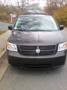 2009 Dodge Caravan StowNGO.Low KM