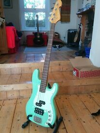 Sandberg VM4 bass guitar in surf green