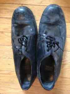 Nuun Bush black leather dress shoes