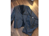 Men's slim fit grey suit