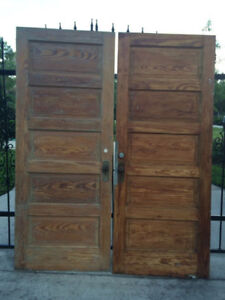 OLD ANTIQUE COUNTRY DOORS AND WINDOWS WANTED $$$