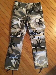 pantalon militaire neuf!
