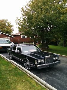 1988 Lincoln Town Car 4 door Sedan