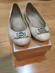Micheal kors shoes for sae
