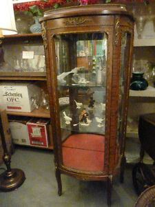 *!*!*!*!*ANTIQUE FRENCH PROVINCIAL CURIO/CHINA CABINET*!*!*!*!*