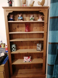 For sale pine bookcase solid, wood 6 selfsthat can remove to size not