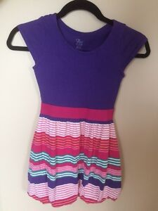 Girls dresses size m7/8, L