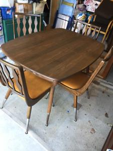 Table & Chaises de Cuisine ** Vintage ** Kitchen Table & Chairs