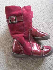 Girls Fashion Boots - size 11.5 (Euro 29)