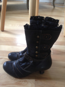 Spring Step ankle boot from Sagebrush Shoes barely used size 7