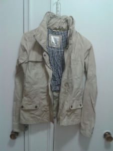 Bench womens short hooded jacket for Fall