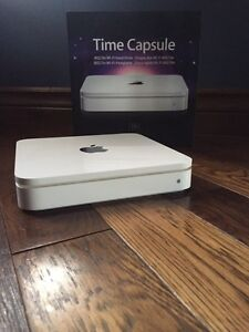 Apple Time Capsule - 1TB wireless router backup