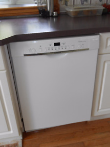 Bosch Dishwasher - Only 2 years Old: Like New
