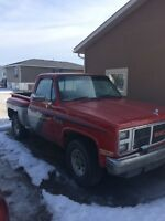 1987 GMC 1500 short box, stepside, 4X4, DIESEL