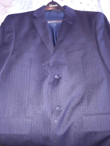 Alfred Sung Men's Two Piece Suit - Perfect Condition