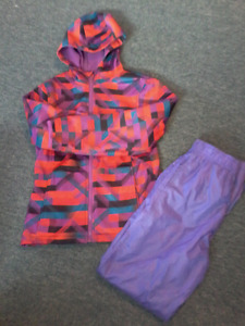GIRLS SIZE LARGE RAINSUIT WITH RAINBOOTS  (SIZE 4)