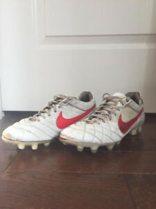 Nike Tiempo Legend 4 (IV) Size 9 US - Soccer Cleats