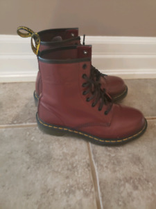 Doc Martens cherry burgundy 7 new reduced price!