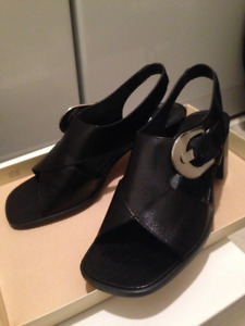 NEW BLACK LEATHER ENZO ANGIOLINI SANDALS SIZE 6.5M