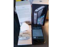 Apple iPhone 4 Black 16gb boxed HPhones immaculate screen *unlocked* IOS 6