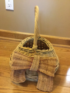 LOVELY WICKER BASKET IS PERFECT FOR A FLOWER GIRL