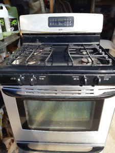 KENMORE GAS STOVE/OVEN IN PERFECT WORKING CONDITION