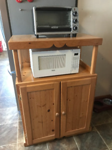 Solid wood microwave stand in Paris