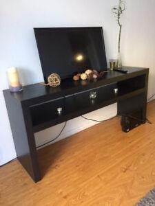 Console ou meuble télé + table basse + cube déco + grand tapis