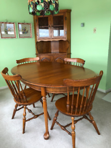 Price Reduction Solid Maple Dining Table Chairs Corner Cabinet