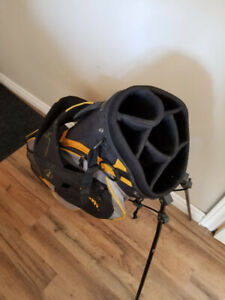 Wilson Carry / Stand Bag - Excellent Condition