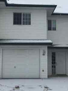 EXECUTIVE PROFESSIONAL TOWNHOUSE FOR RENT