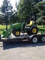 2011 John Deere 2520 4x4 with just over 50hrs