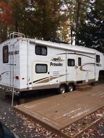 Fifth wheel 2005 Prowler 295 BS