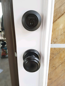Wiser door knob and bolt lock