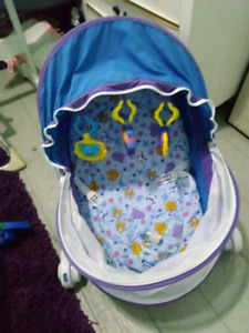 EUC Portable Travel Bassinet/Baby Tent