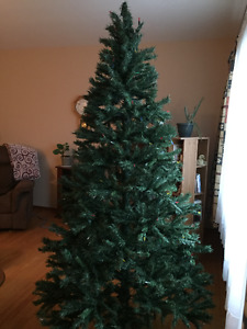 Artificial Christmas tree 7.5 feet