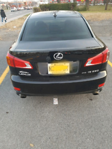 Lexus is 250 fully  equipped 100 percent work  Awd