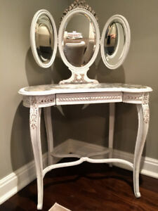 * Marked down * Gorgeous Hand Painted French Antique Vanity