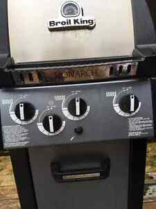 Broil King BBQ- Excellent Condition Kitchener / Waterloo Kitchener Area image 3