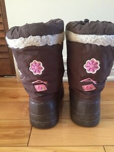 Acton winter boots size 2 West Island Greater Montréal image 2
