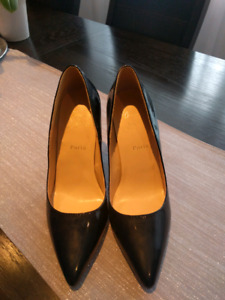 Christian Louboutain black pumps size 39 like new