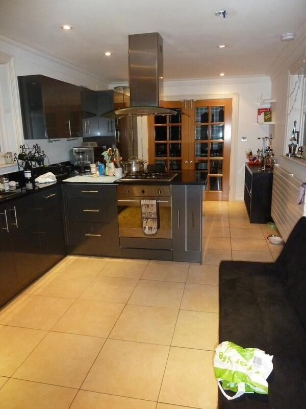 2 double rooms in mansion house. 1 with en suite. Shared 7 bedroom with awesome people. Wandsworth