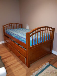 Solid wood single bed & mattress with storage drawers