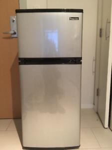 4.3 cu feet Mini fridge $150 OBO. GREAT CONDITION!