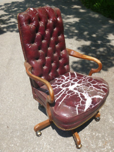 Wood Trimmed Executive Swivel Office Chair Project