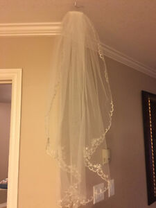 bridal classic veil (Ivory/silver) with edge elegant beading